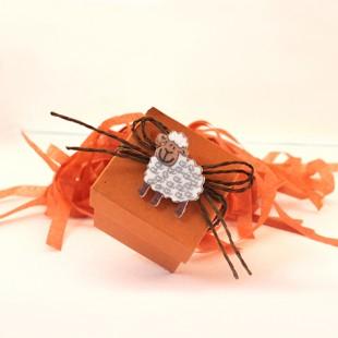 Mat turuncu kare karton kutu